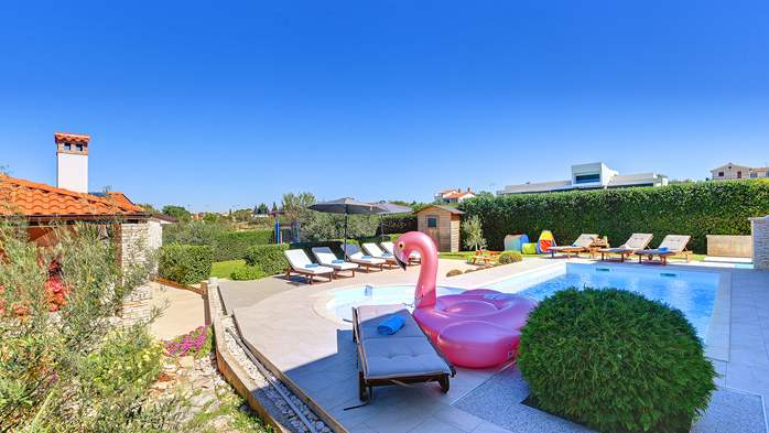 Luxury villa with pool with whirlpool, sauna, jacuzzi and gym, 5