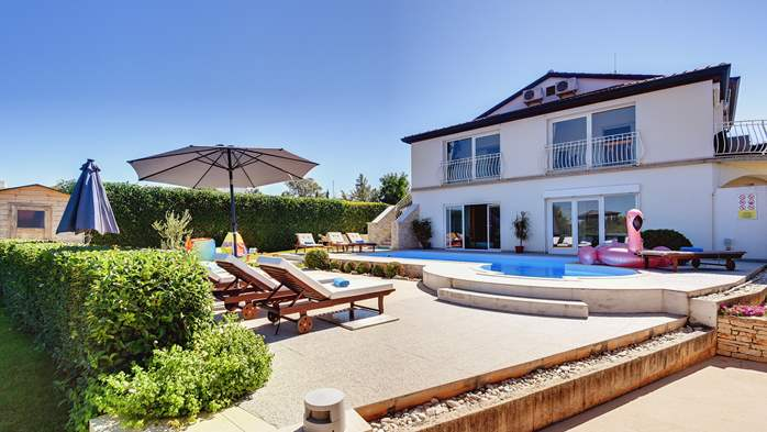Luxury villa with pool with whirlpool, sauna, jacuzzi and gym, 3