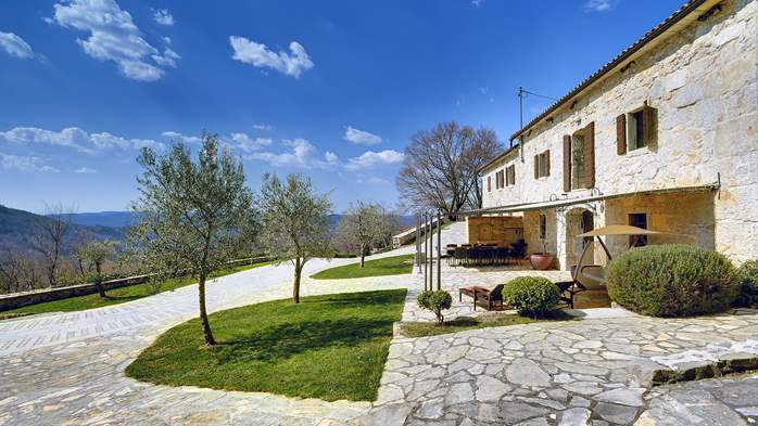 Rustic villa with pool within the borders of the Učka Nature Park, 4