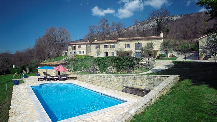 Rustic villa with pool within the borders of the Učka Nature Park, 2