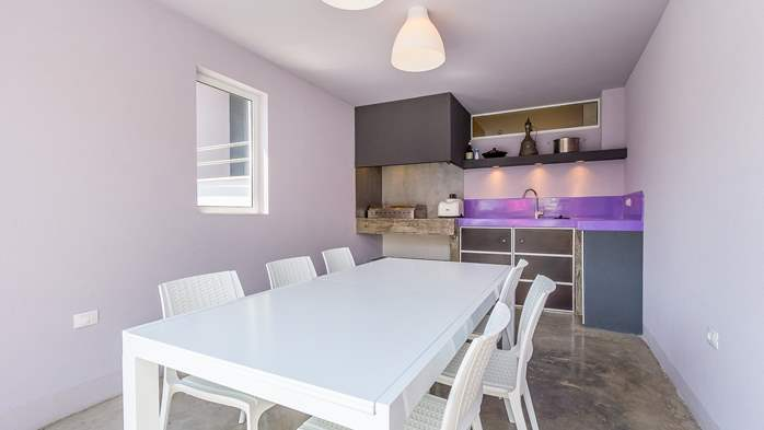 Air conditioned holiday home in Pula, with heated pool, barbecue, 8
