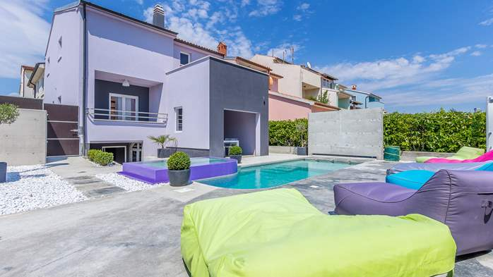 Air conditioned holiday home in Pula, with heated pool, barbecue, 2