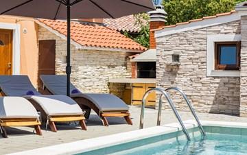 Eco friendly villa with private pool in Žminj, playground