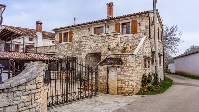Traditional Istrian stone house with accomodation in rooms, 6