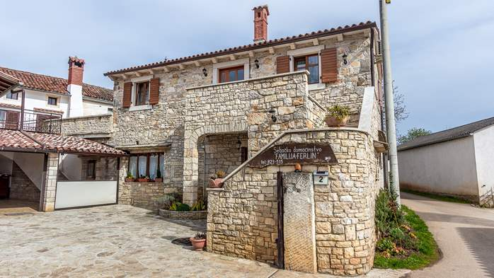 Traditional Istrian stone house with accomodation in rooms, 7