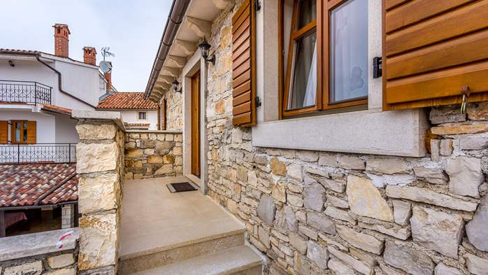 Traditional Istrian stone house with accomodation in rooms, 9