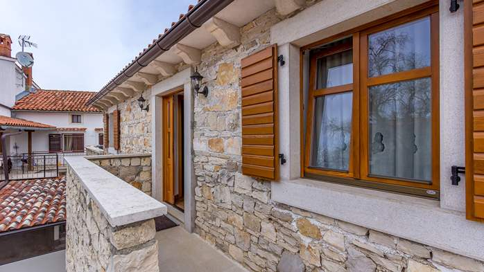 Traditional Istrian stone house with accomodation in rooms, 10