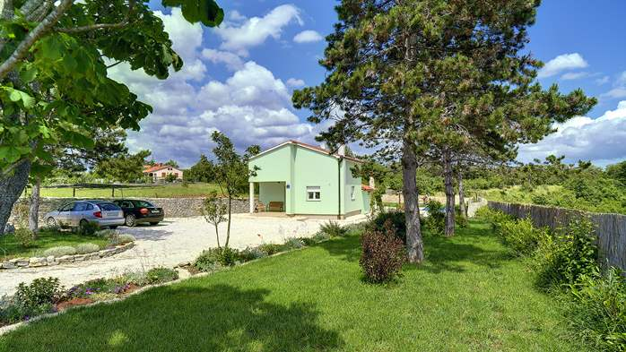 Villa with heated outdoor pool and spacious garden, for 6 persons, 6
