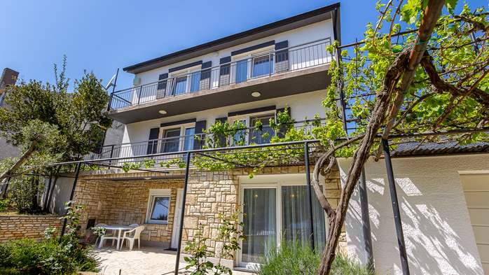 Apartments in a private house in Banjole, near the sea and beach, 13