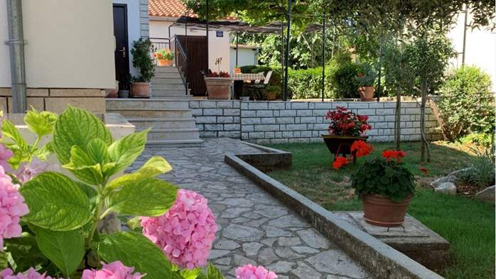 Holiday house in Pula with covered terrace and air conditioning, 2