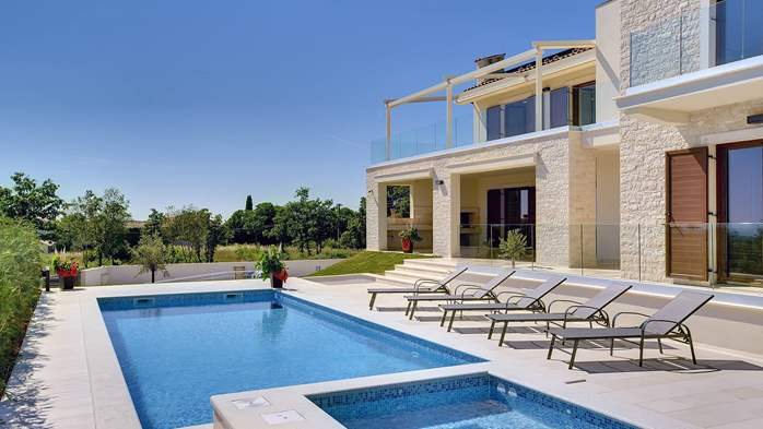 Luxuriously furnished villa with a private  heated pool, 1
