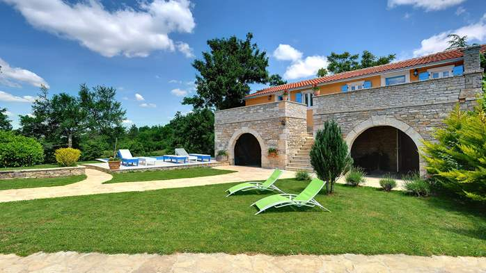 Luxuriously equipped villa with private pool near Žminj, 9