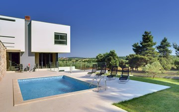 Modern villa, private pool, huge sunbathing terace, playground