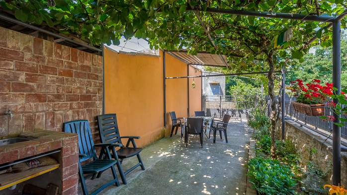 Newly renovated holiday home, traditional style, air conditioning, 4