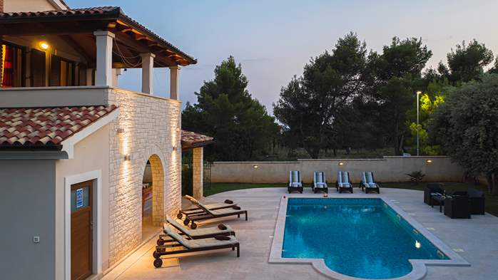 Charming stone villa in Medulin with private pool and sun terrace, 5