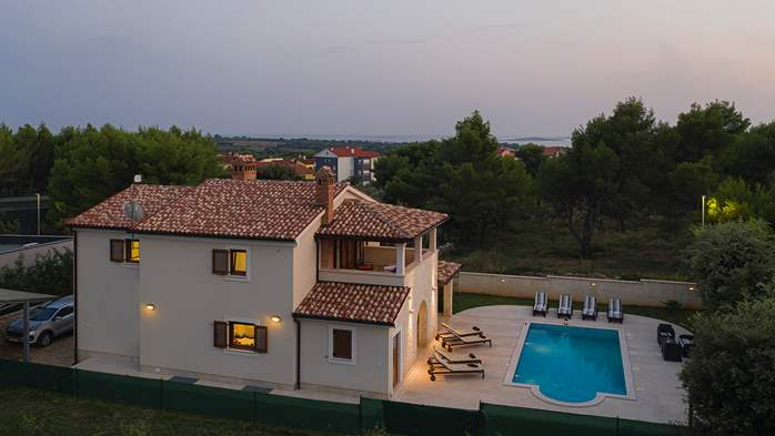 Charming stone villa in Medulin with private pool and sun terrace, 3