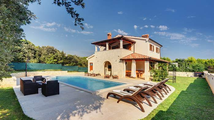 Charming stone villa in Medulin with private pool and sun terrace, 12