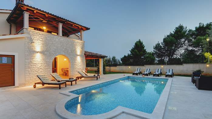 Charming stone villa in Medulin with private pool and sun terrace, 2