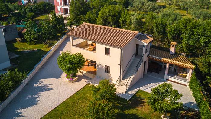 Graciously decorated house in Fažana with big fenced garden, 4