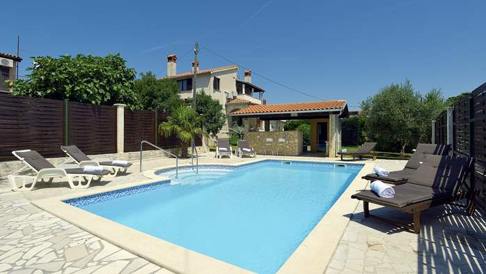 Villa in Ližnjan for golf lovers, with private pool, 1