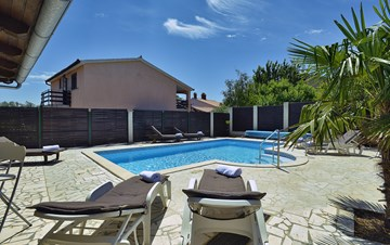 Villa in Ližnjan for golf lovers, with private pool