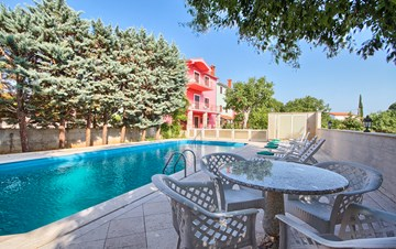 Villa with pool, sun terrace and barbecue in Krnica