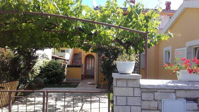 House in Valbandon with nice shared yard and barbecue, 8