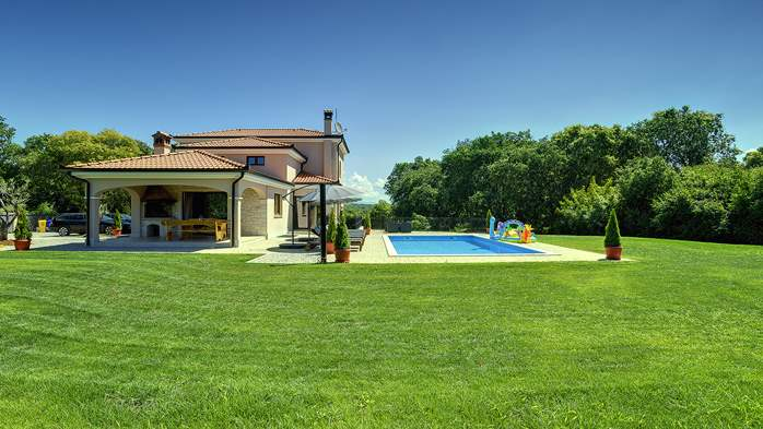Beautiful villa on two floors with private pool, billiards, Wi-Fi, 3
