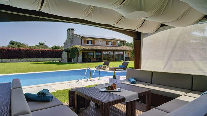 Villa in Pomer, private pool with whirlpool, big lawn, volleyball, 12