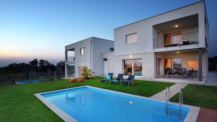 Modern villa with private pool and sun terrace close to Novigrad, 2