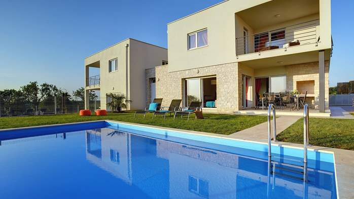 Modern villa with private pool and sun terrace close to Novigrad, 3