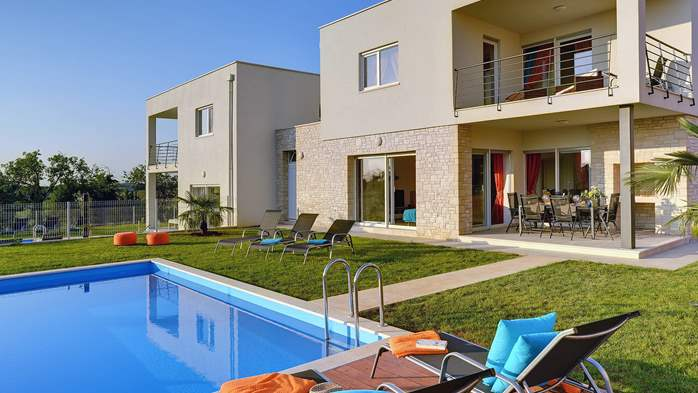 Modern villa with private pool and sun terrace close to Novigrad, 1