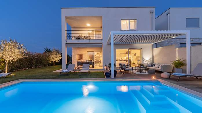Villa with pool, terrace, for 6 to 8 persons, near Novigrad, 5