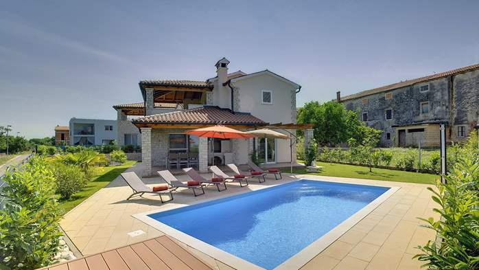 Villa with private pool, close to Novigrad, for a perfect holiday, 2