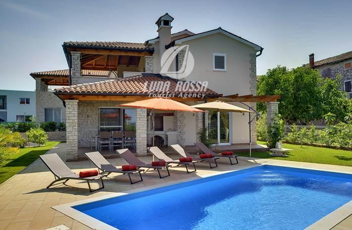 Villa with private pool, close to Novigrad, for a perfect holiday (Bužinija)