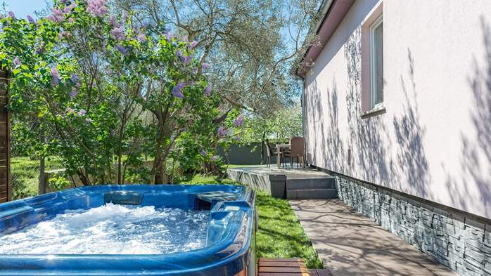 Holiday home with private pool in Štinjan, Wi-Fi, BBQ, 9