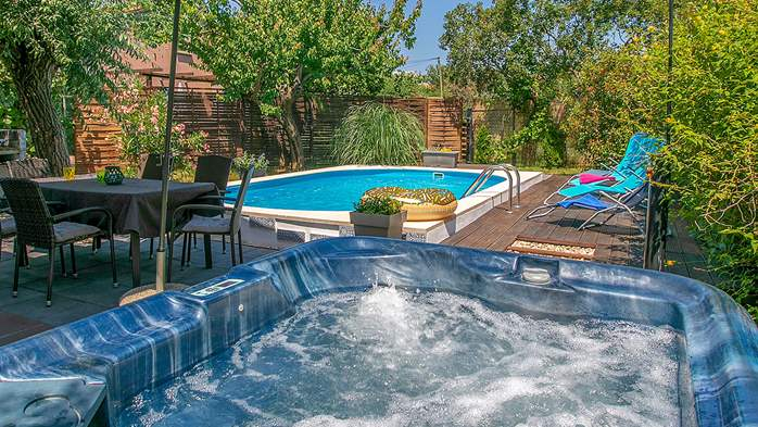 Holiday home with private pool in Štinjan, Wi-Fi, BBQ, 10
