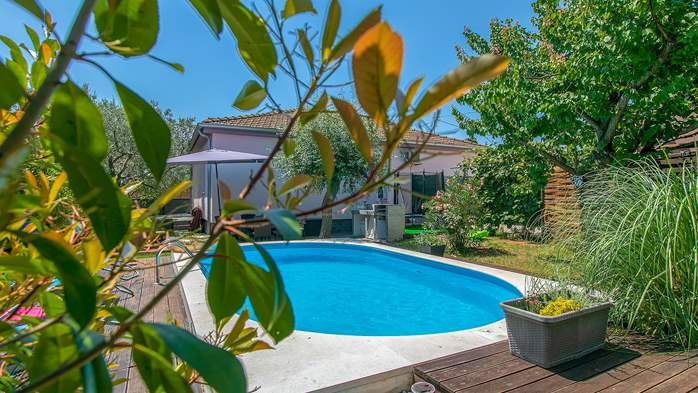 Holiday home with private pool in Štinjan, Wi-Fi, BBQ, 3