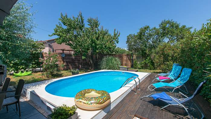 Holiday home with private pool in Štinjan, Wi-Fi, BBQ, 4