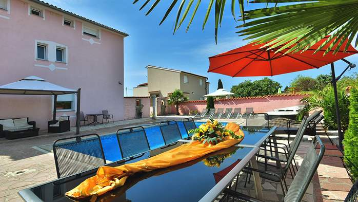 Unique 12 bedroom property with pool ideal for multiple families, 6