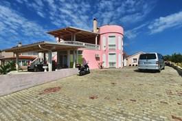 Villa Hasani