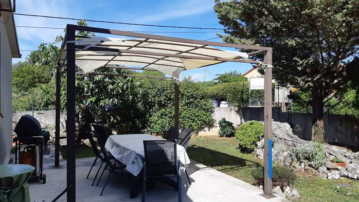 Lovely holiday house in Rakalj, 5-7 persons, BBQ, WiFi, 4