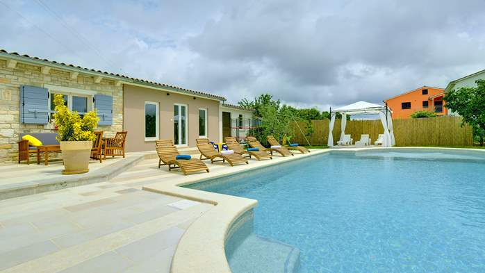 Villas with pool Villa Noa