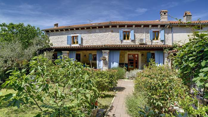 Charming, rustic villa with pool, 3 bedrooms, WiFi, 3