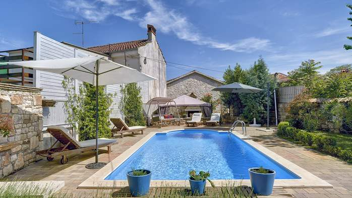 Charming, rustic villa with pool, 3 bedrooms, WiFi, 2