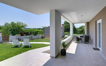Holiday house in Pula on a quiet location, two bedrooms, Wi-Fi