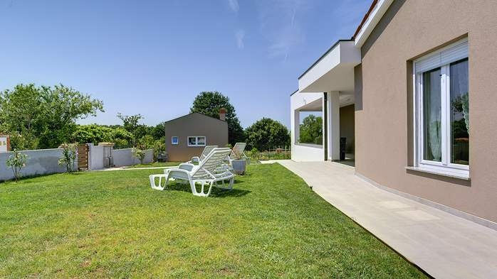Holiday house in Pula on a quiet location, two bedrooms, Wi-Fi, 3