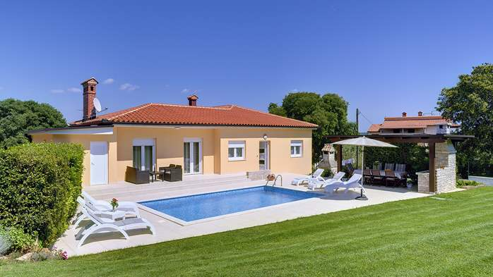 Family villa in Štinjan with heated pool, BBQ and gym room, 3