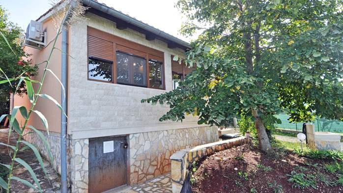 Charming newly renovated holiday home with air conditioning, 2