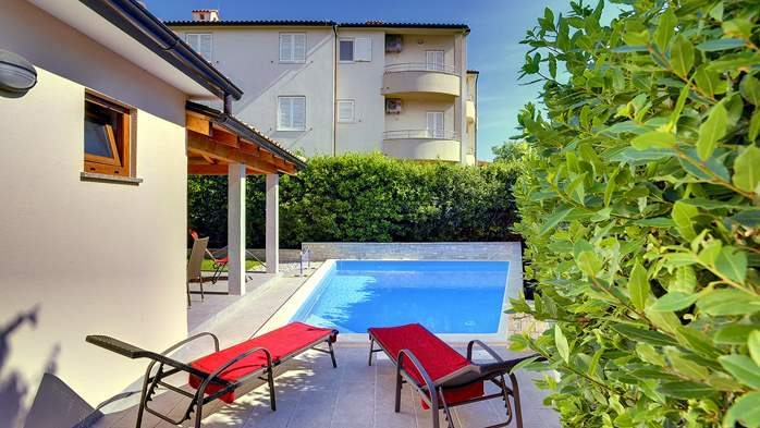 Newly built house in Ližnjan with a private pool and free WiFi, 3